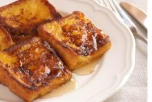 Pain perdu with honey.